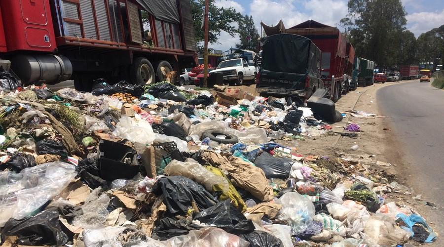 Convierten riberas del Atoyac en basurero