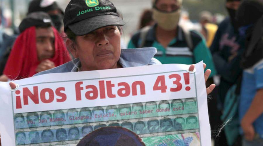 Claman por justicia a 23 meses de la desaparición de los normalistas de Ayotzinapa