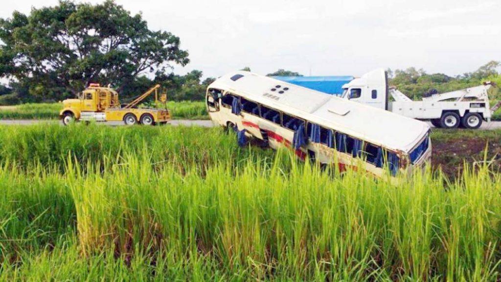 Mueren petroleros veracruzanos en accidente en Cárdenas Tabasco