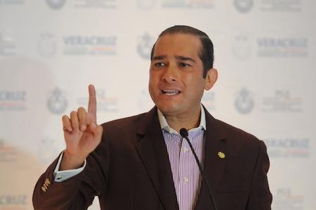 Insiste Fiscal que sólo han sido halladas 6 fosas clandestinas en el Puerto de Veracruz