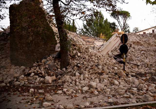 EPN expresa solidaridad con Italia por sismo