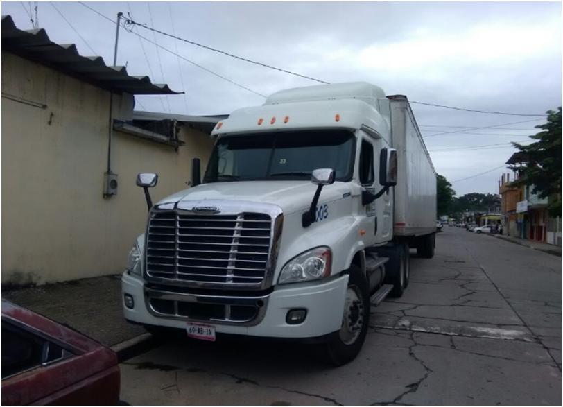 Camionero se endeuda con Carlos Slim