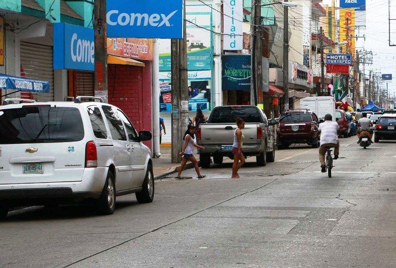 Cierre de más negocios en Tuxtepec