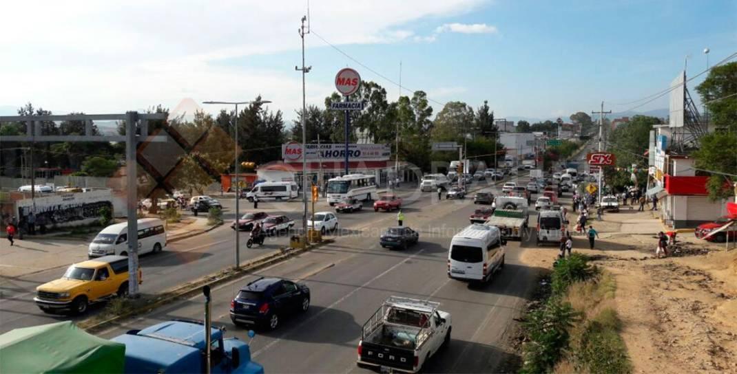 Retiran sindicalizados de salud bloqueos en cruceros de Oaxaca