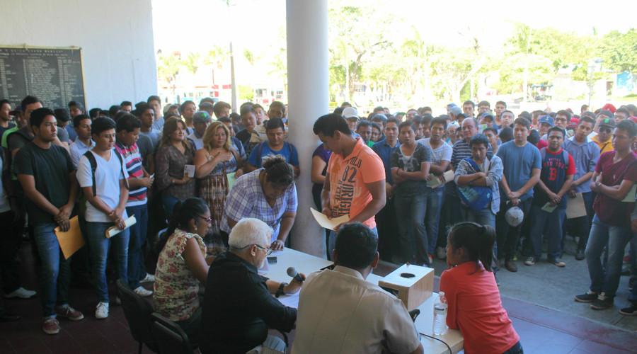 El Ayuntamiento de Salina Cruz, realizó sorteo del Servicio Militar