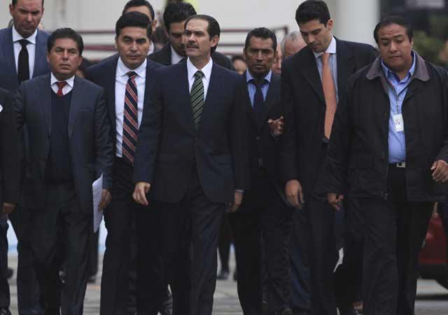 Padrés trató de ocultar 8.8 mdd que tenía en el extranjero: PGR