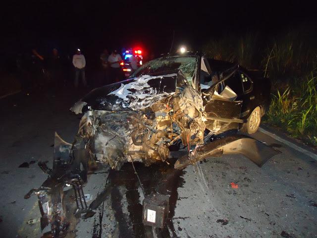 Se matan dos pobladores de Vicente Camalote en accidente