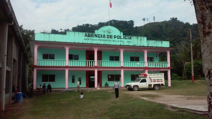 Desplazados vinculan a proceso a Lucia Mora