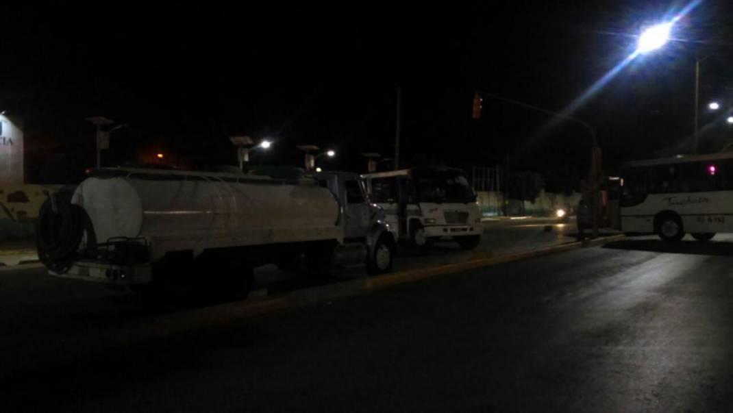 Porros bloquean avenida Universidad, frente a CU