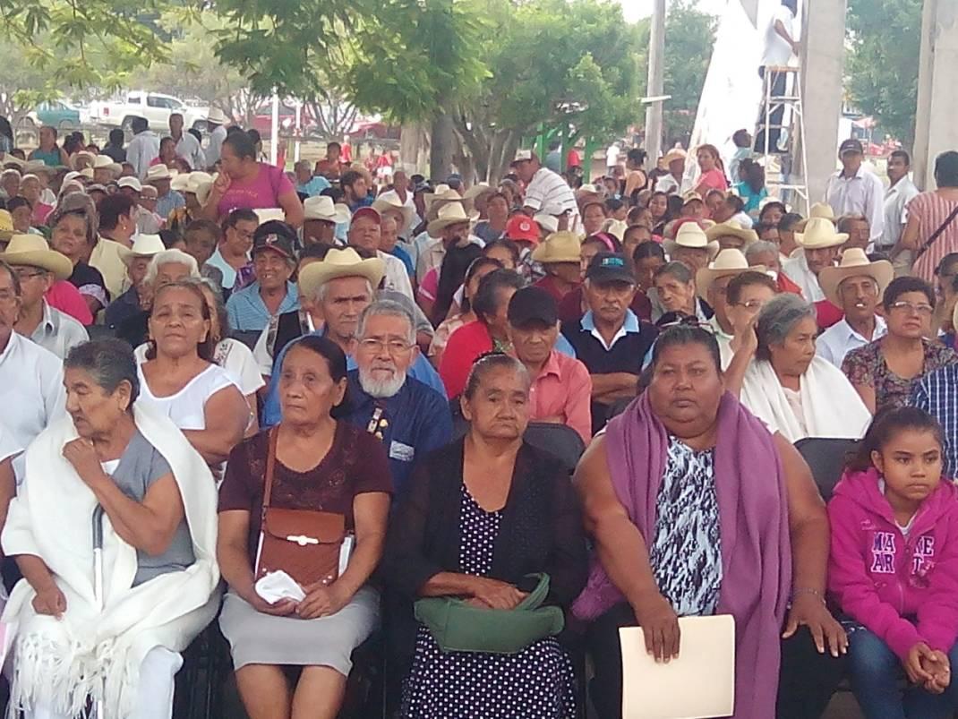 """Se realiza la """"Feria de Servicios y Apoyos Interinstitucionales""""de SEDESOL en Tuxtepec."""