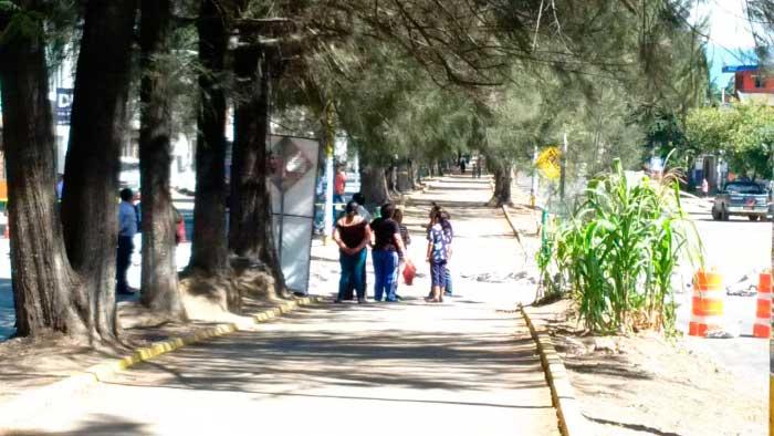 Bloqueo sobre avenida Ferrocarril Santa Lucía