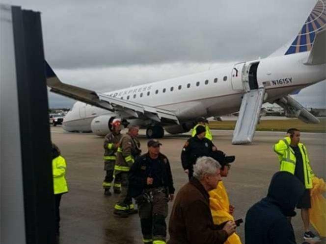 Colapsa tren de aterrizaje; susto en vuelo de Houston a Monterrey