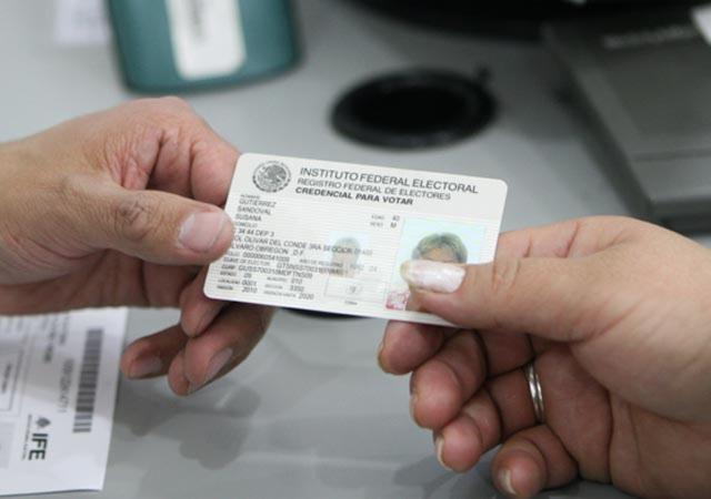 Mexicanos en Reino Unido ya tramitan su credencial para votar