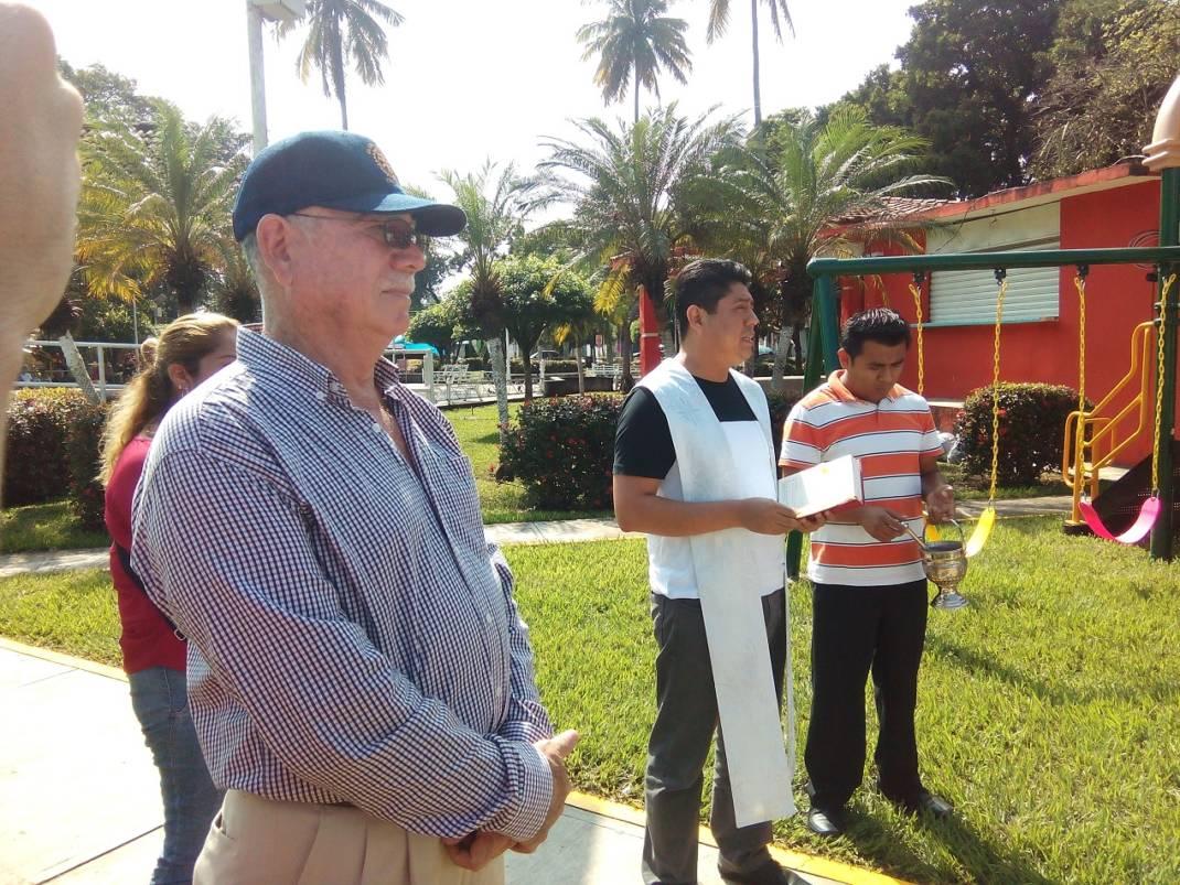 Inauguran juegos infantiles en el parque Hidalgo