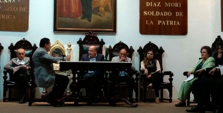 Solicita Javier Villacaña licencia a la presidencia municipal de Oaxaca