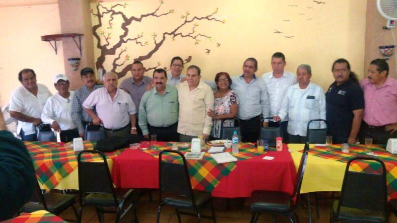 Regalara Fernández Arteaga cabezas de ganado para el rescate del Muro Boulevard