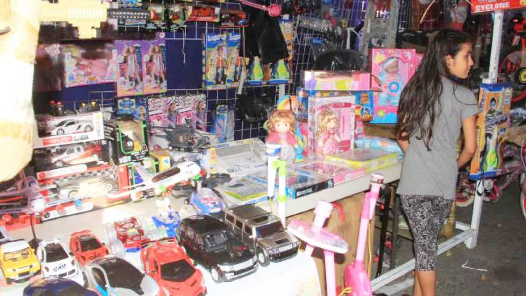 Bajas ventas reportan comerciantes de juguetes