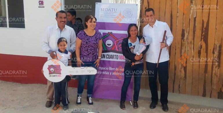 Entrega Alejandro Murat viviendas y títulos de propiedad en Miahuatlán
