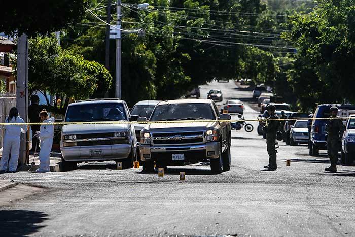 Atacan convoy de exsecretario de Seguridad Pública de Mazatlán