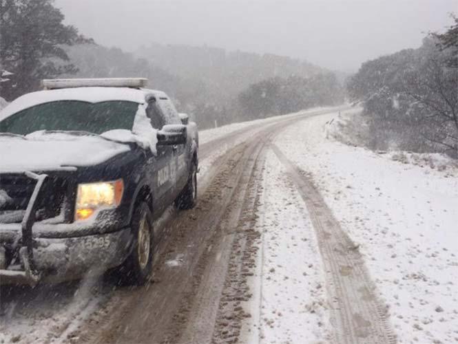 Cierran carreteras entre Sonora y Chihuahua por nevadas