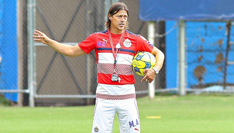 Almeyda culpa a DTs mexicanos por exceso de extranjeros en Liga MX
