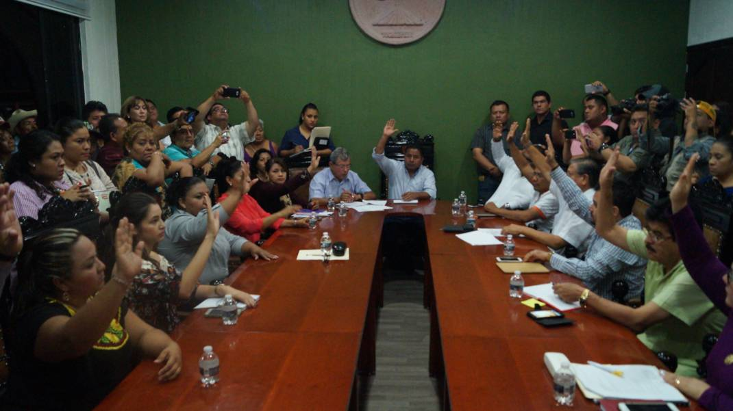 Fernando Bautista Dávila tomó protesta a Francisco Niño como Regidor