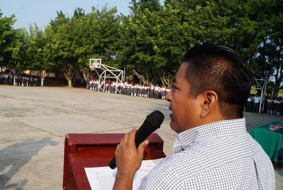 Entregará gobierno de Dávila becas para estudiantes del COBAO 07