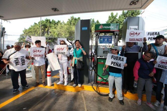 El Barzón se manifiesta en contra del Gasolinazo