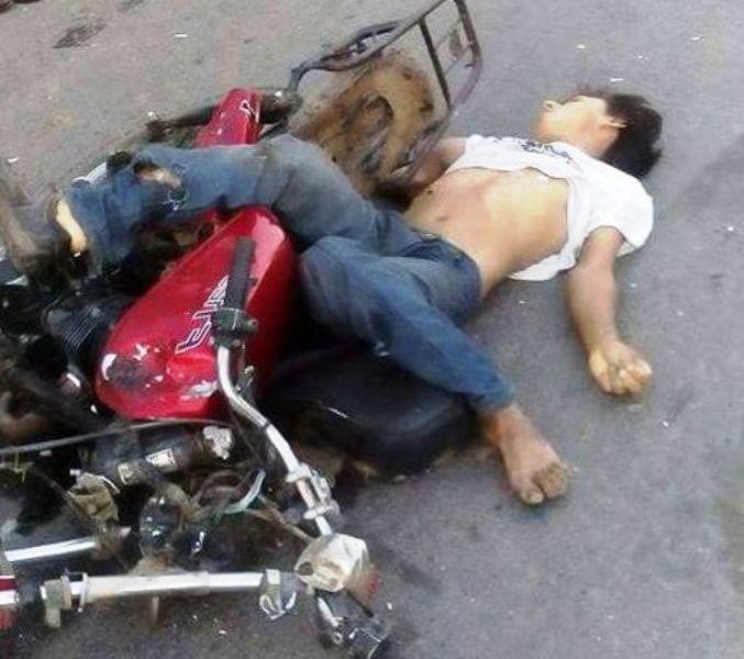 Atropellan y matan a joven motociclista en los Naranjos