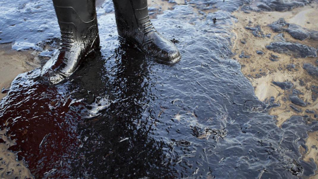 El millonario negocio del robo de combustible por el crimen organizado en época de escasez en México