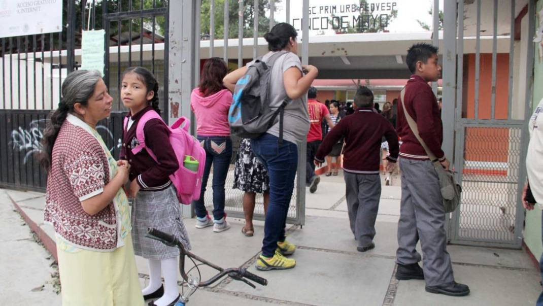 Parcialmente, alumnos regresan a clases en Oaxaca