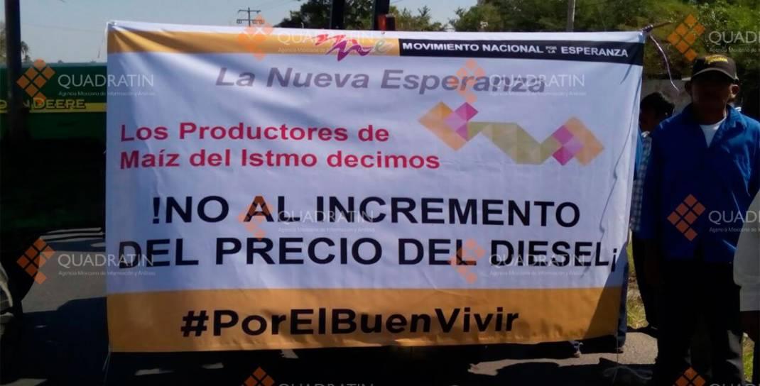 Campesinos bloquean carretera transístmica en Oaxaca