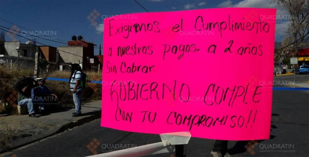 Bloquean regularizados del magisterio en la ciudad de Oaxaca