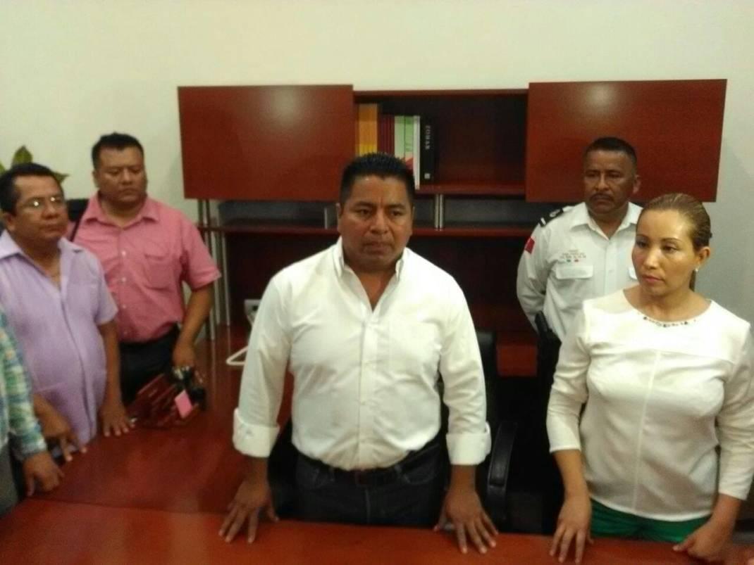 Presidente Fernando Dávila nombra a Director de Seguridad Pública Municipal