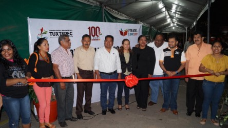 Inaugura Fernando Bautista Dávila Feria del Libro