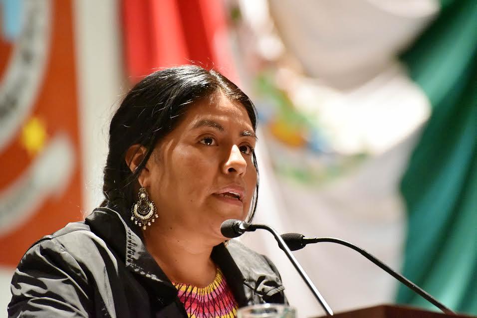 Propone Eufrosina Cruz contemplar el requisito de residencia para elegir a concejales