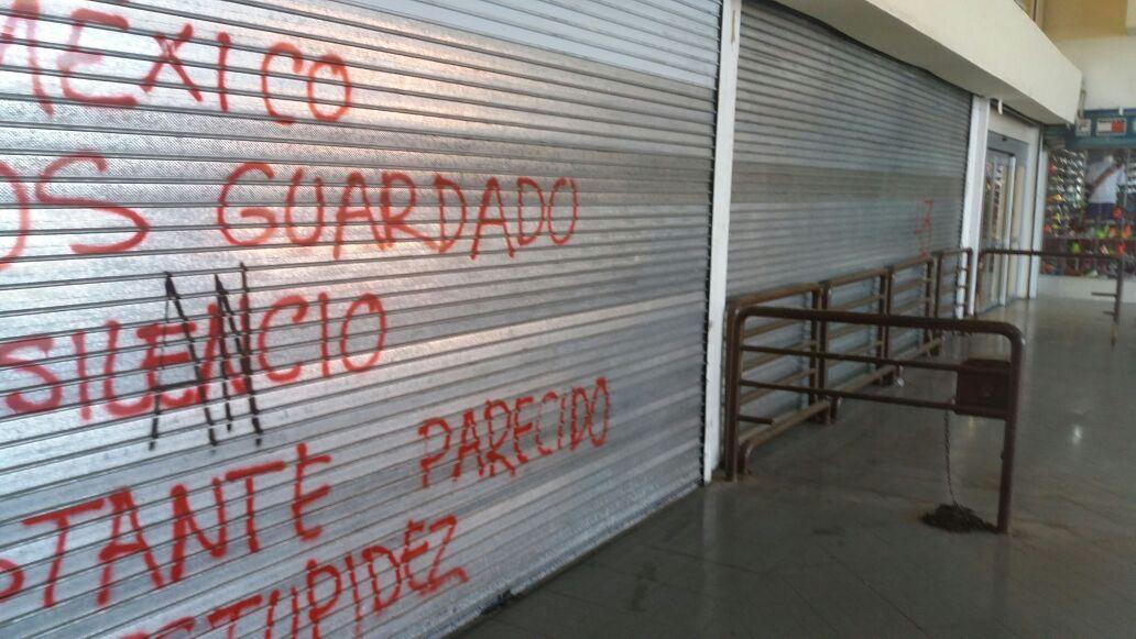 Cierran tiendas departamentales en Oaxaca por pánico ante posibles saqueos
