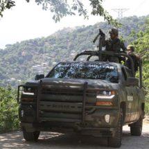 Militares resguardarán a maestros para volver a clases en Guerrero