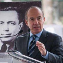 Calderón dona a fundación contra cáncer su pensión de expresidente