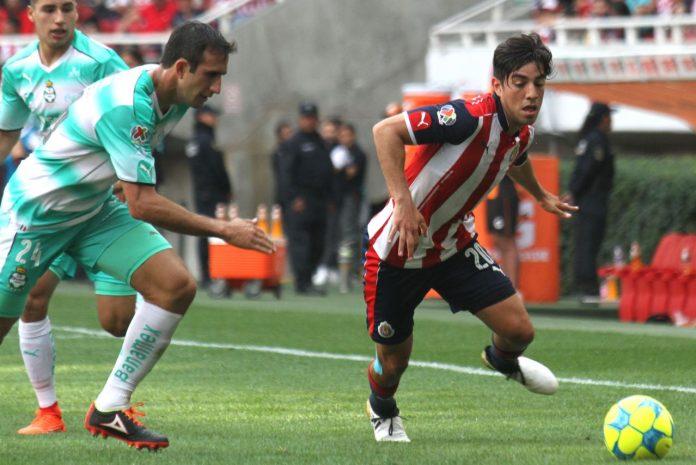 Chivas rescata el empate