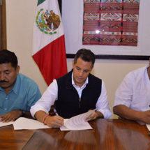 Atestigua Murat el Acuerdo de Paz y de Respeto entre Mixtepec y Colotepec