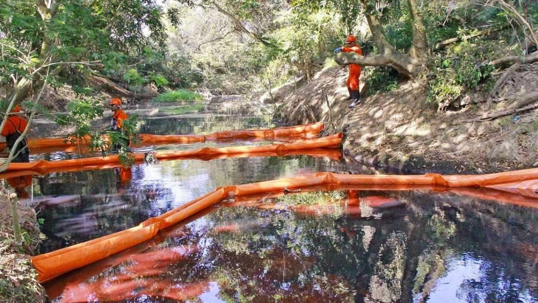 Derrames de Pemex destruyen el Istmo