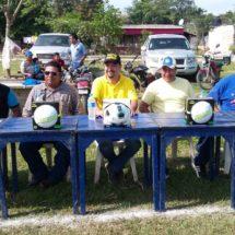 Regidor Paco Niño apadrina en Pueblo Nuevo torneo de futbol llanero