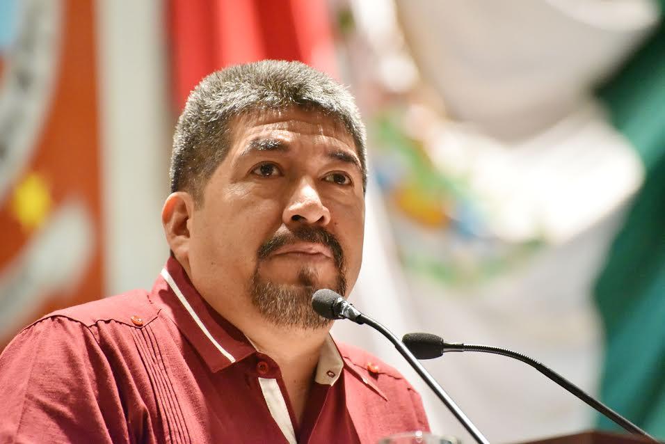 Diputado Fernando Lorenzo por el impulso de artesanías para contribuir en la economía familiar