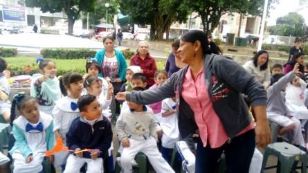 """Reabren """"Paralibros"""" en el parque """"Juárez"""""""