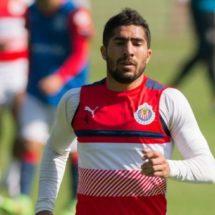 Jair Pereira, suspendido dos partidos por codazo a Fabbro
