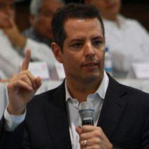 Adiós a las aspiraciones de taxistas y urbaneros, Murat proclama veda de concesiones en Oaxaca
