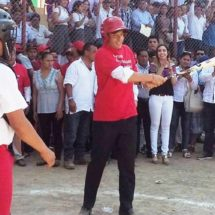 """Gobernador de Oaxaca inauguró la primera etapa del campo deportivo """"Guillermo Hernández Castro"""""""
