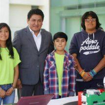 Irineo Molina inaugura «Robobrick» exposición de robótica