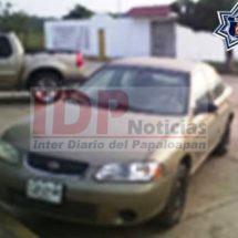 Estatales aseguran vehículo robado